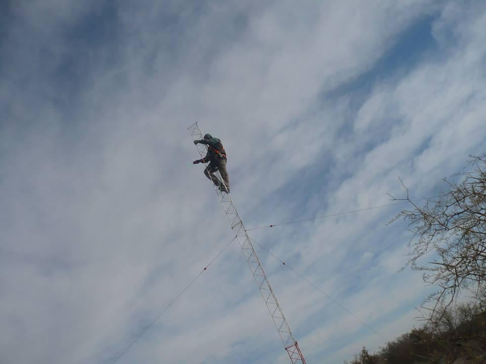 Subiendo la antena