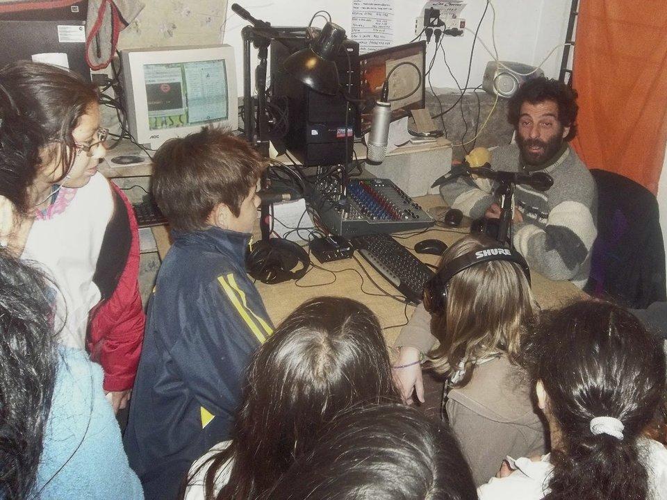 La escuela en la radio