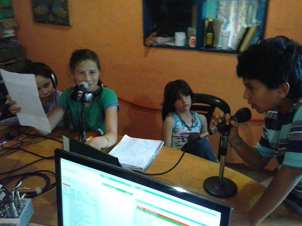 Programa Pajarito Azul, hecho por chicas y chicos.