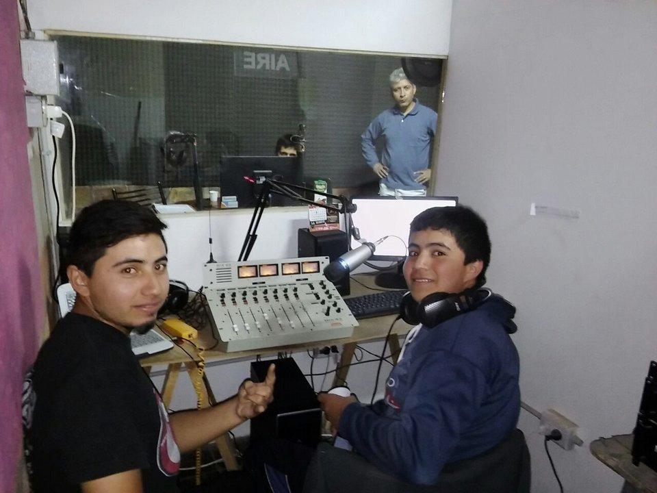 Ricardo opera el programa de rock