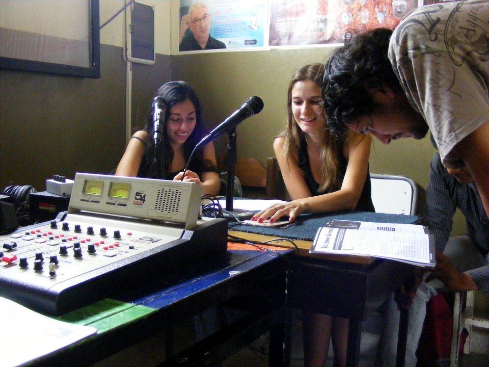 Participan estudiantes de comunicación de la UNSA