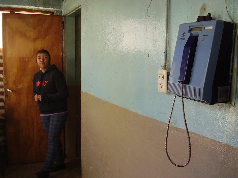 Único teléfono en Aucapán Centro