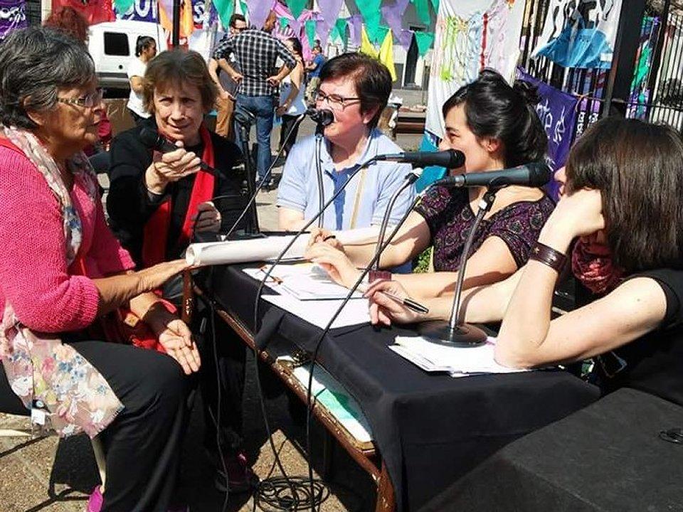 Radio abierta en Encuentro Regional de Mujeres en Morón