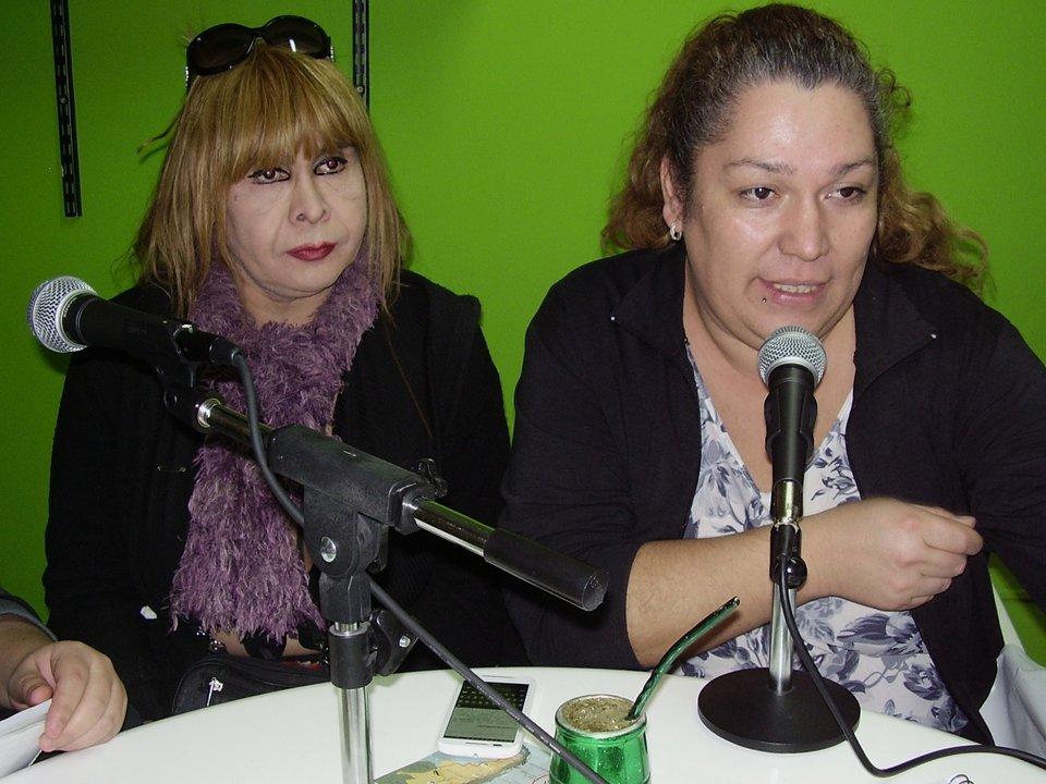 Lorena conduce junto a Marcela