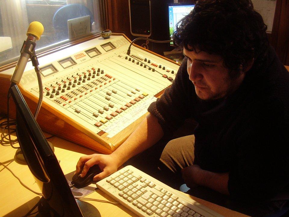 Nicolás Llanquihuen, operador