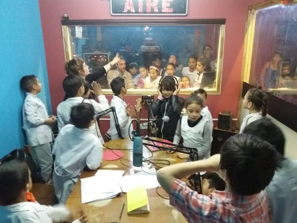 Zon De Trope FM 99.7